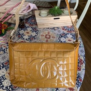 CHANEL Bags - Auth Vintage Chanel Shoulder Bag COCO Patent